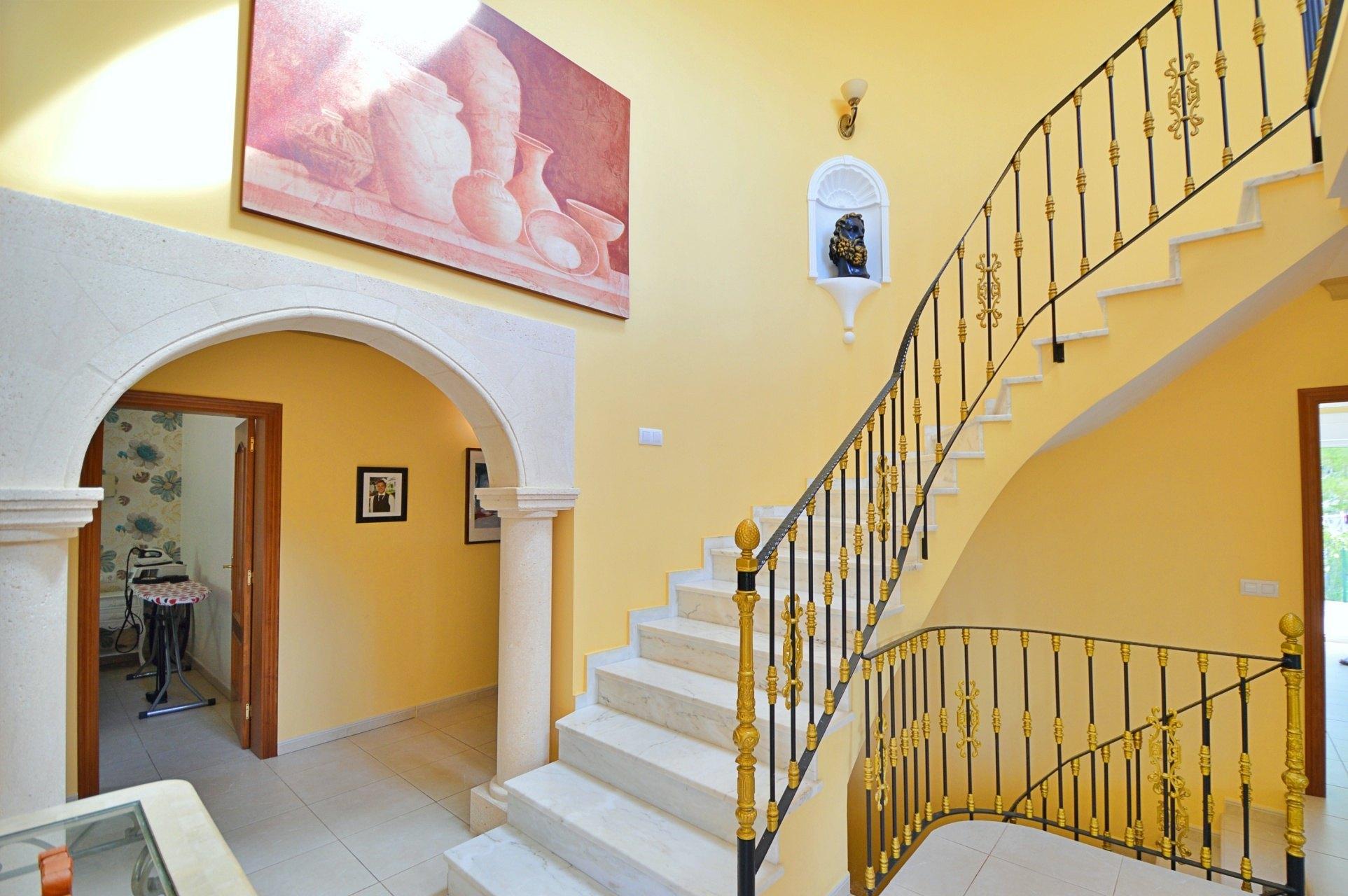 Villa de lujo de cuatro dormitorios en venta en Jávea